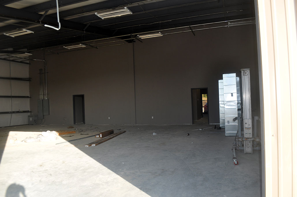 Warehouse Interior<div style='clear:both;width:100%;height:0px;'></div><span class='cat'>Warehouse/Flex</span>